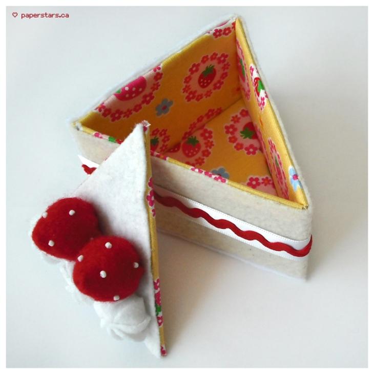 strawberry_cake_slice_by_kami_hoshi-d383wwt