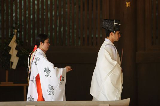 shinto-priest2